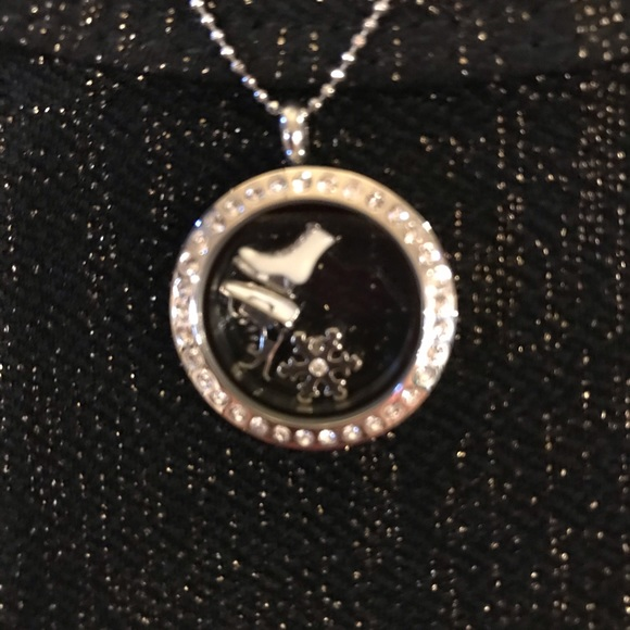 New Origami owl locket with skating charms